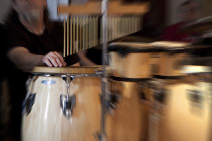 DJ og congas trommer